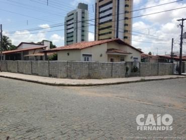EXCELENTE CASA PARA ESCRITÓRIOS, CLÍNICAS, RESTAURANTES EM LAGOA NOVA - Foto