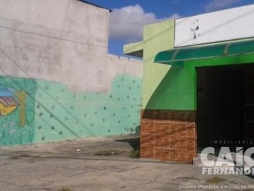 CASA COM PONTO COMERCIAL NA ZONA NORTE - Foto