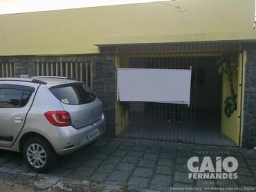 CASA RESIDENCIAL OU COMERCIAL EM CADELÁRIA - Foto