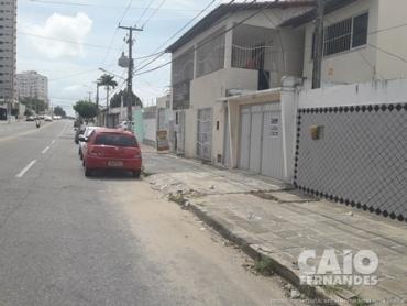 CASA RESIDENCIAL/COMERCIAL EM LAGOA NOVA - Foto