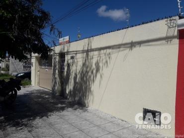 CASA COMERCIAL OU RESIDENCIAL EM LAGOA NOVA  - Foto
