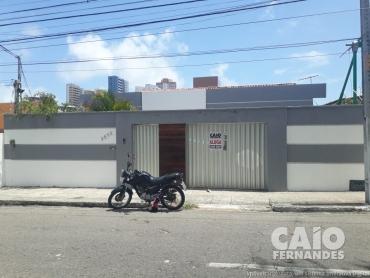 EXCELENTE CASA COMERCIAL EM LAGOA NOVA - Foto