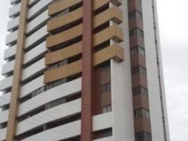 APARTAMENTO EM EXCELENTE LOCALIZAÇÃO EM LAGOA NOVA - Foto