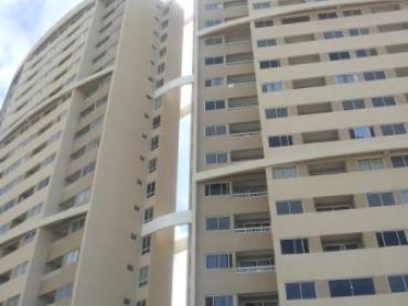 Apartamento em Cidade Satélite - Foto