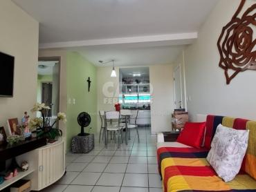 Apartamento no condomínio Candelária - Foto